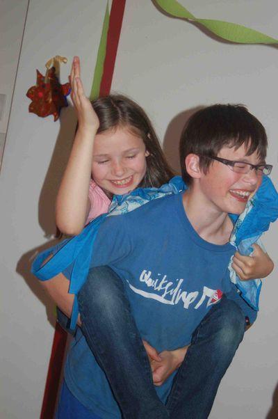 Henry&Phoebepiggybackplay
